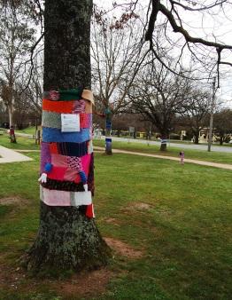 Tree scarf