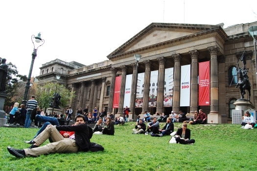 State Library, a popular hangout on the lawn in front. Definitely worth a visit!