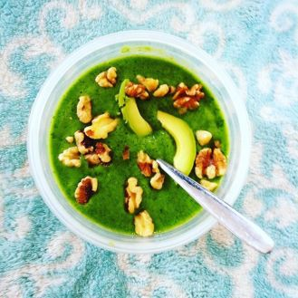 Green smoothie with walnuts and avocado.